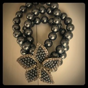 Jewelry - Rhinestone Flower Pearl Stretch Bracelet